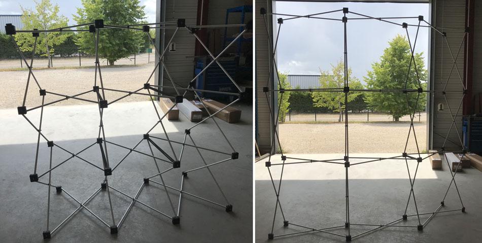 Montage d'une structure de stand parapluie